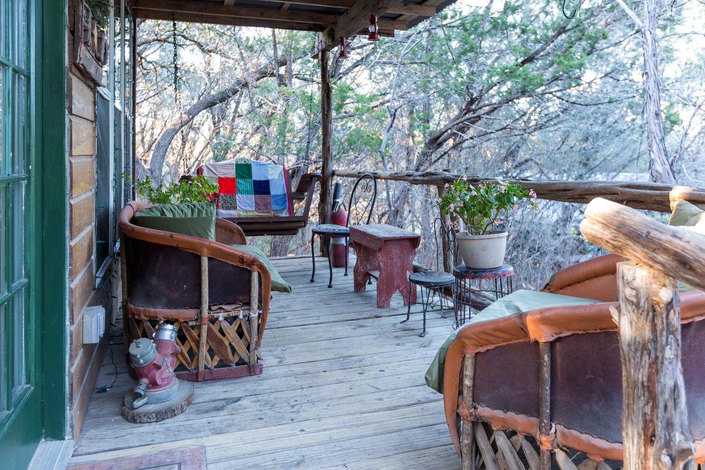 Deck of a cabin rental near Lake Travis: Rentals perfect for groups