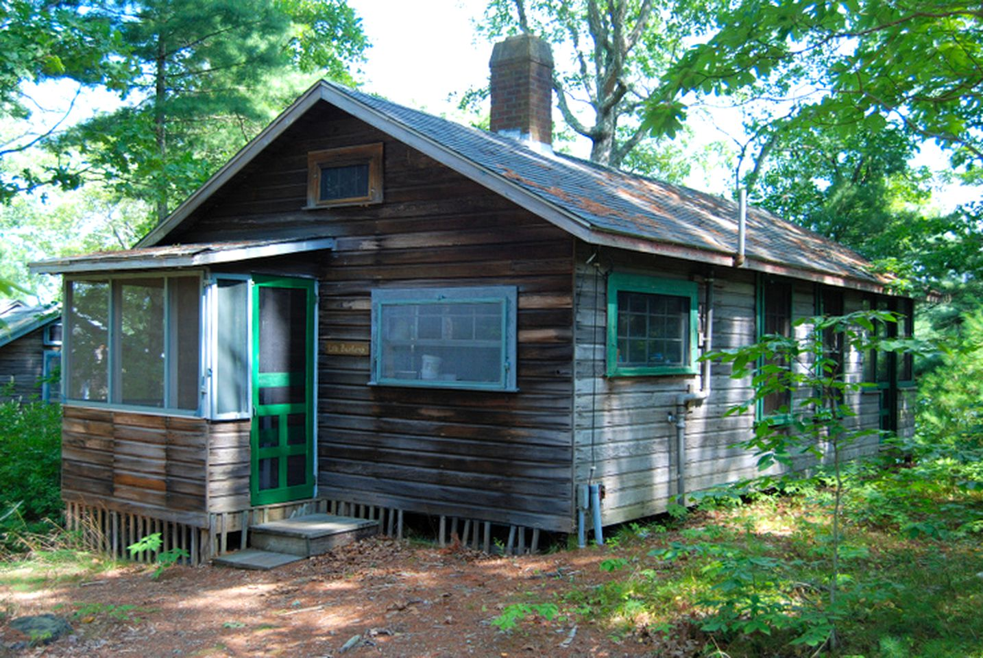 Cabins (Plymouth, Massachusetts, United States)
