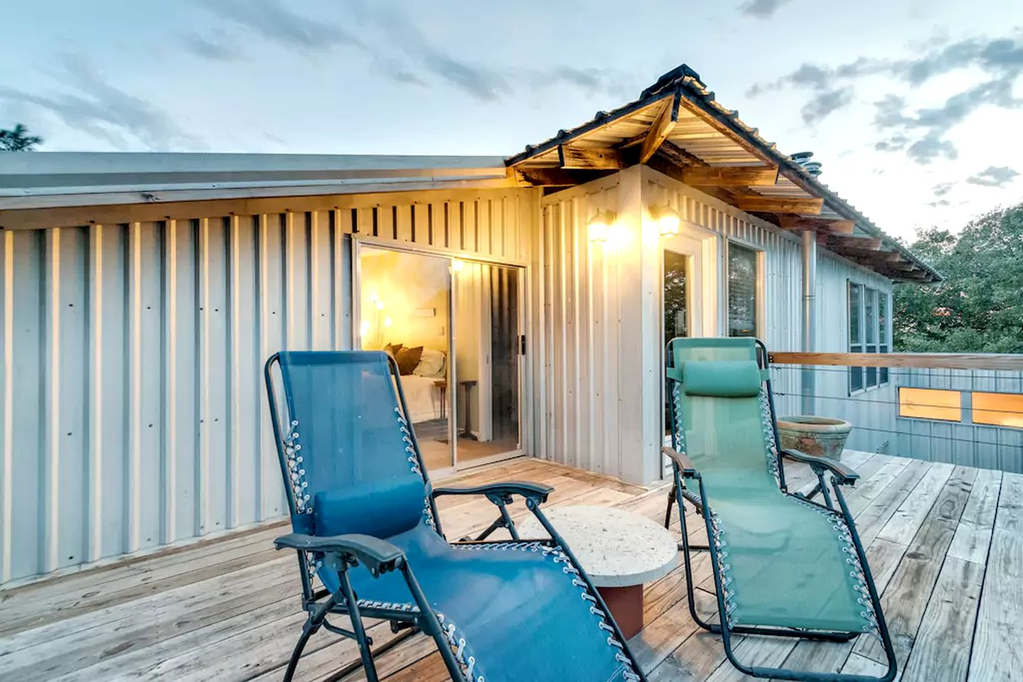 Cabin Rental With An Indoor Hot Tub Near Lake Whitney