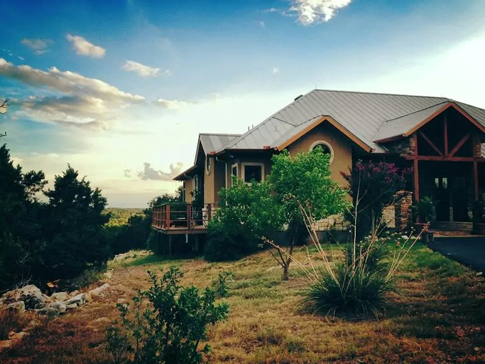 Luxury Four Bedroom Cabin Rental With A Fireplace In New Braunfels Texas