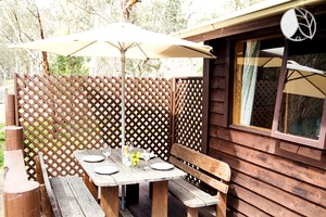 Photo of Scenic Riverside Cabin Rental for Eight near Blue Mountains National Park