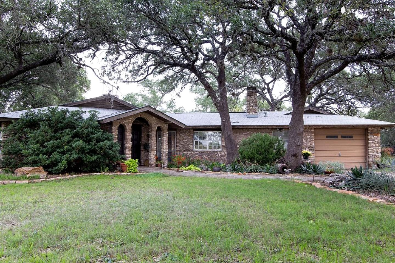 River cottage rental near austin texas for Austin cabin rentals