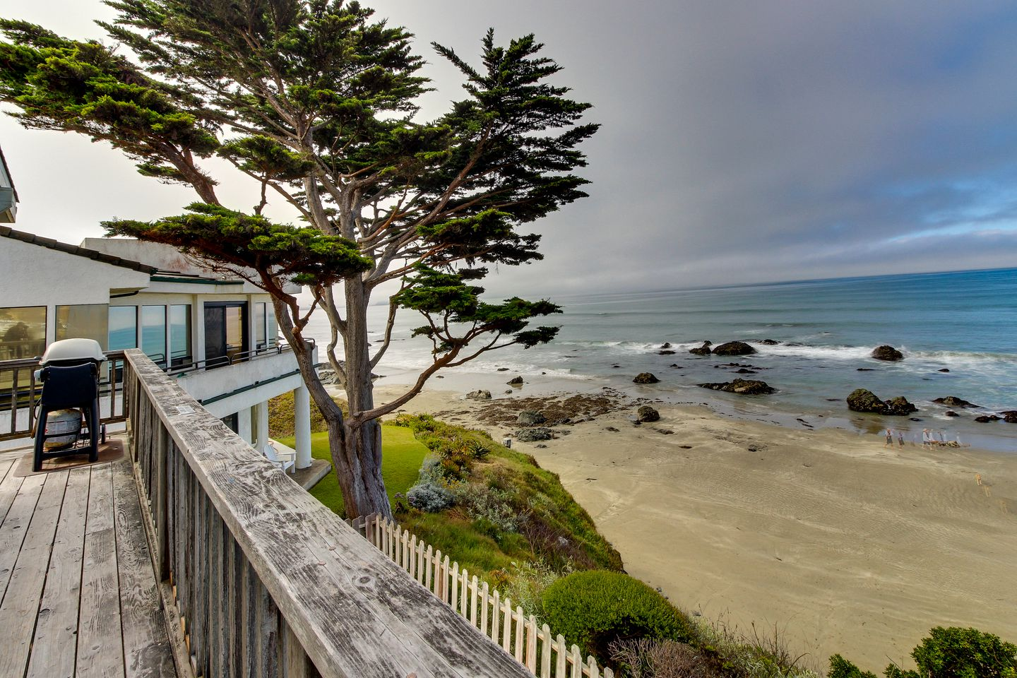 Beach Houses (Cayucos, California, United States)