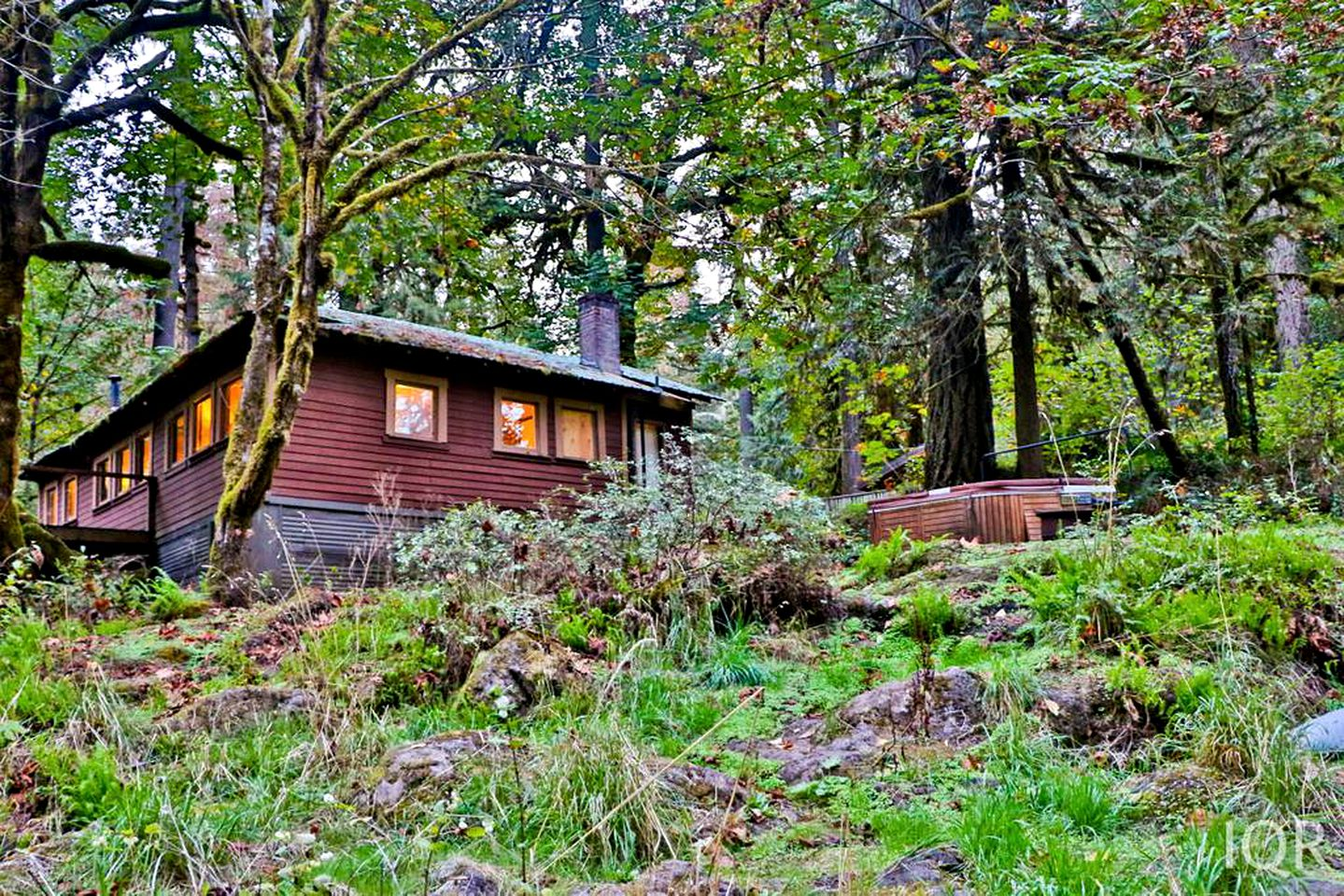 Portland, Oregon cabin rental in Willamette Valley  (Molalla, Oregon, United States)