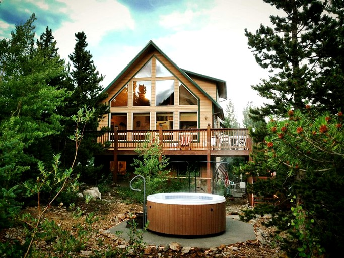 Secluded Family Cabin With A Hot Tub In The Rocky Mountains Near Denver Colorado