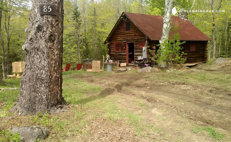 Log cabin rental with hot tub in new hampshire glamping hub for Ski cabins in new hampshire