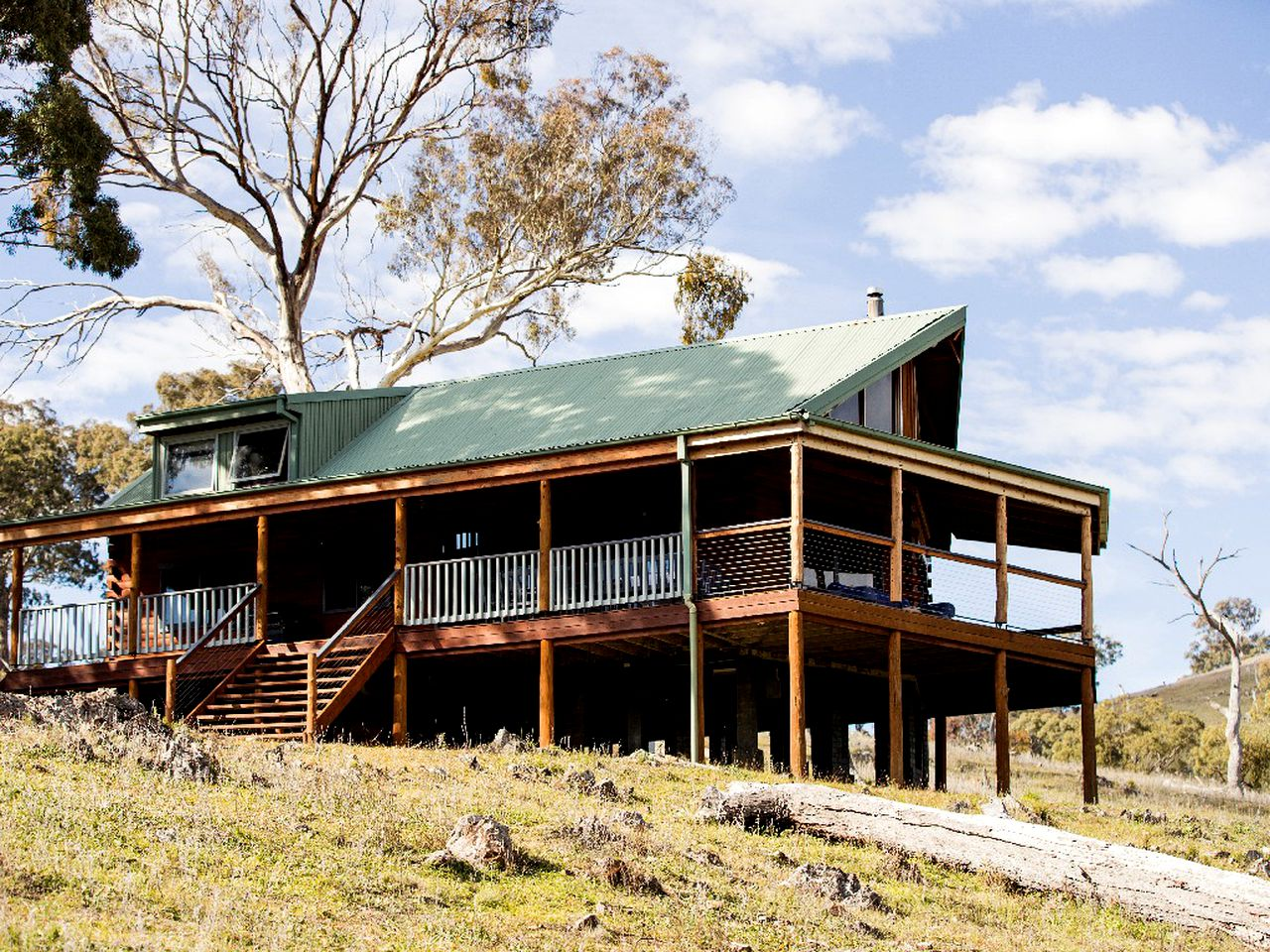 Cabins (Capertee, New South Wales, Australia)