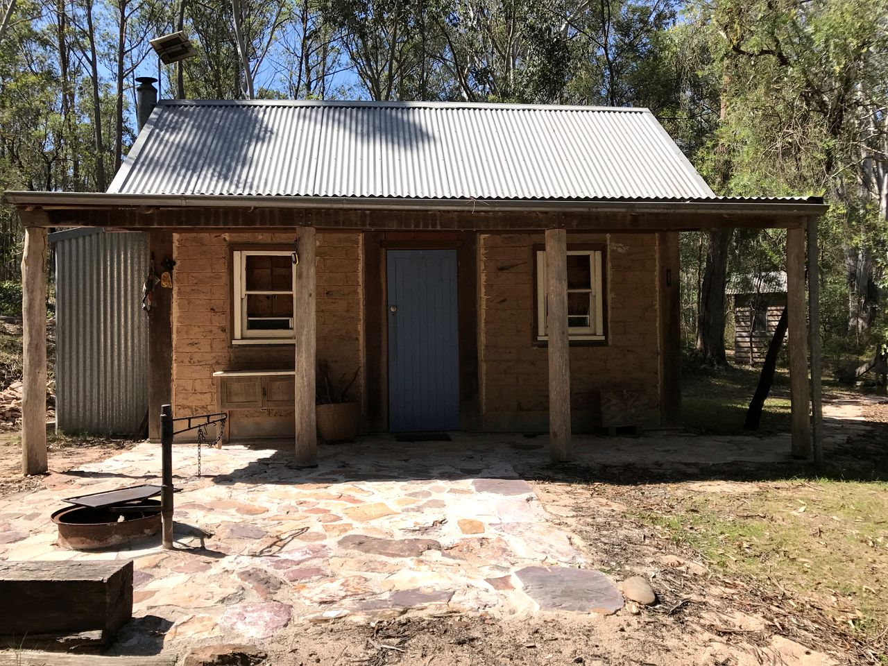 Cottages (Deua River Valley, New South Wales, Australia)