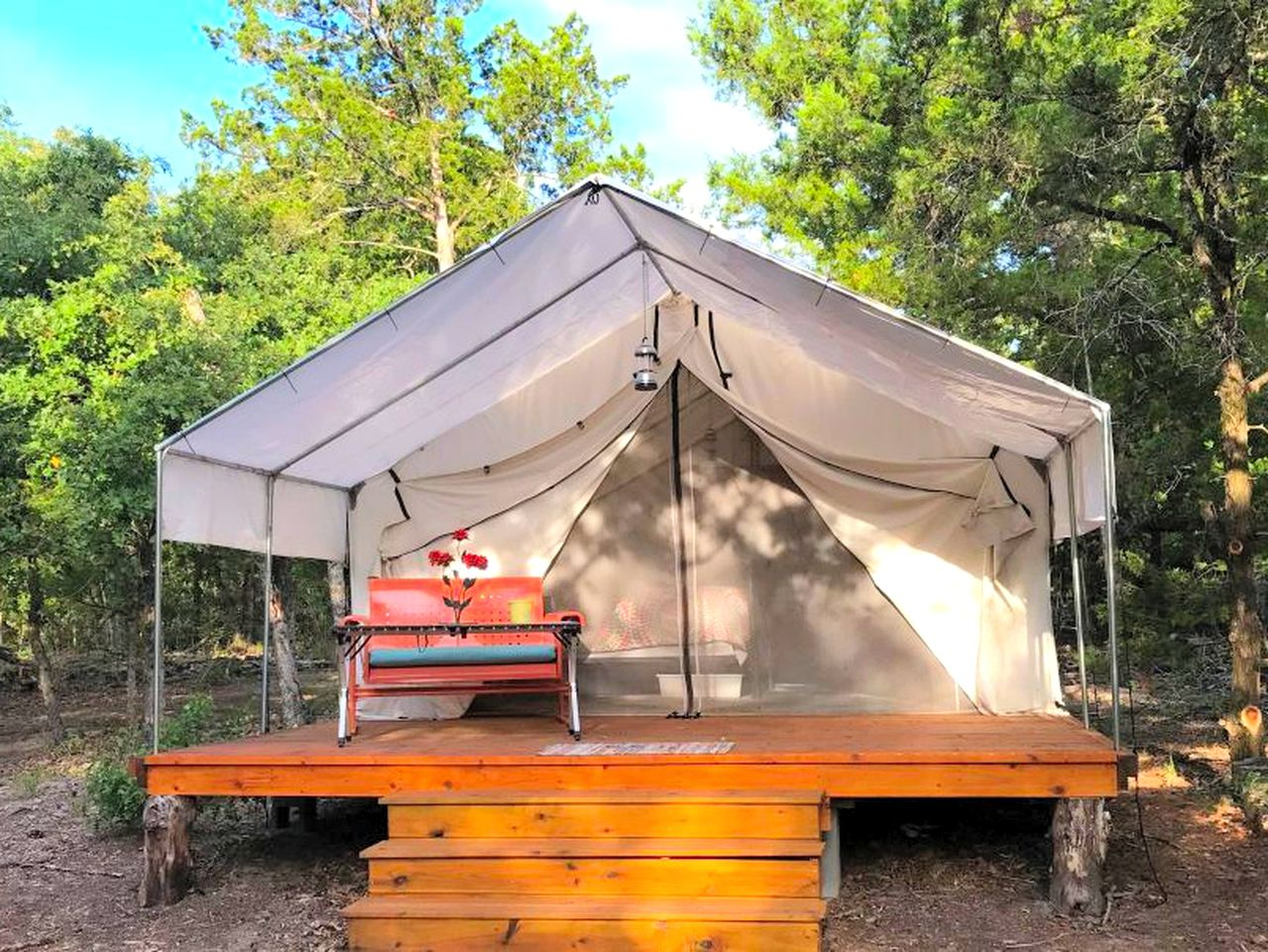 Red Rock Safari Tents (Red Rock, Texas, United States)