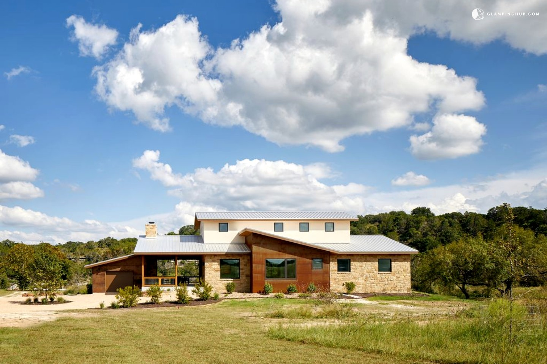 Modern Vacation Rental In Wimberley Texas