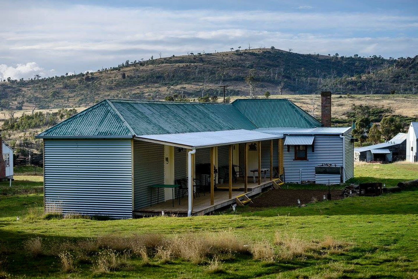 Luxury bed and breakfast for a family getaway near Bothwell, Tasmania