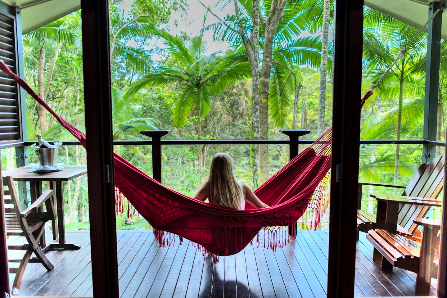 This retreat is ideal for romantic getaways in Queensland. Treehouses like this offer a truly peaceful retreat!