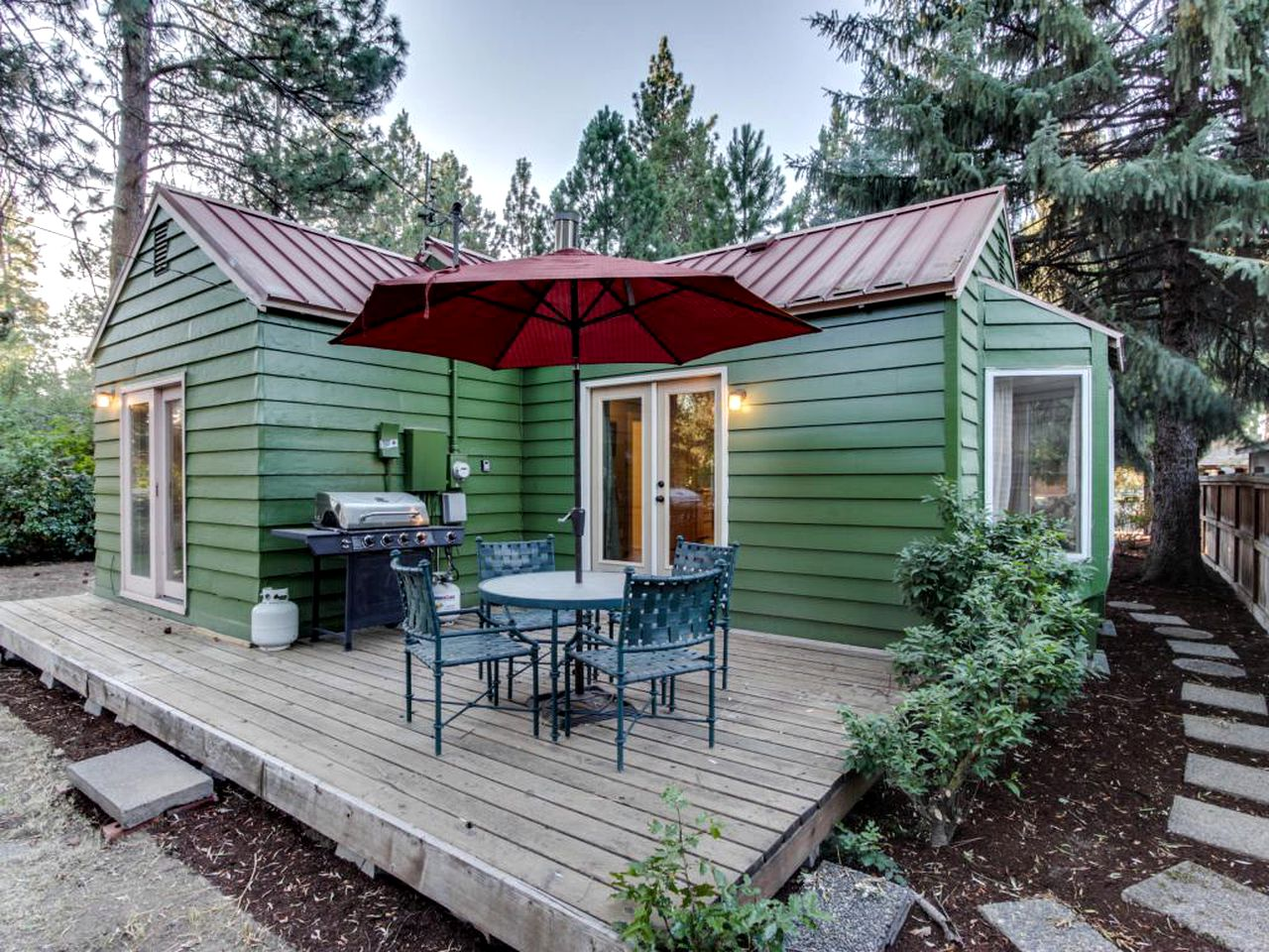 Downtown Sisters cabin rentals (Oregon, United States)