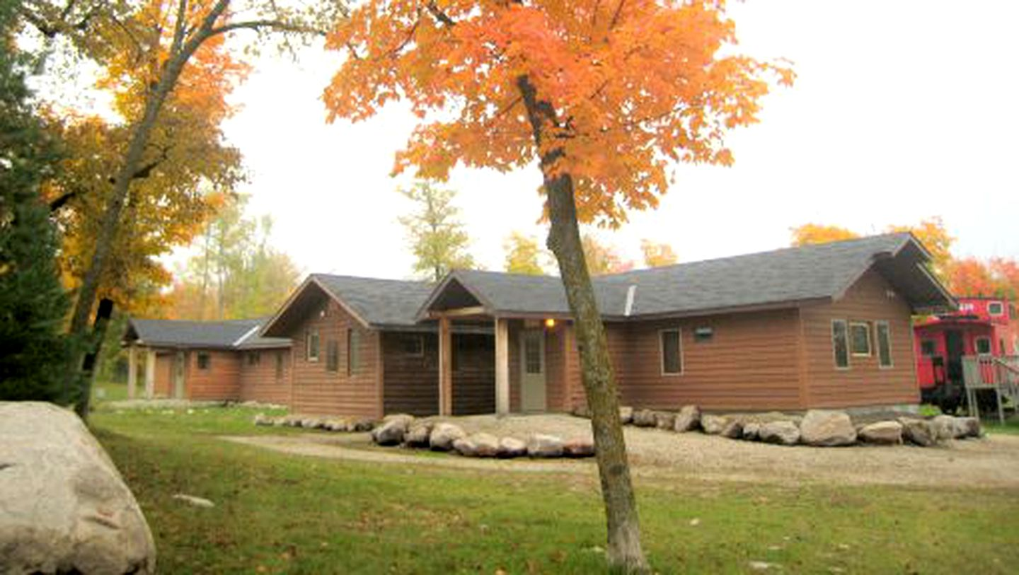 Log Cabins (Callaway, Minnesota, United States)