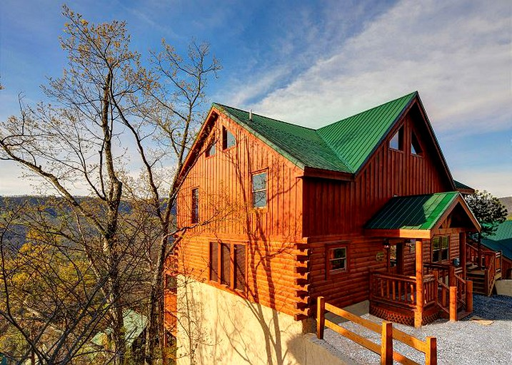 Luxury Cabin Rental With Indoor Heated Pool In Pigeon Forge Tennessee