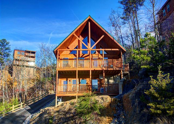 Luxury Cabin with Indoor Pool near Dollywood in Pigeon Forge, Tennessee