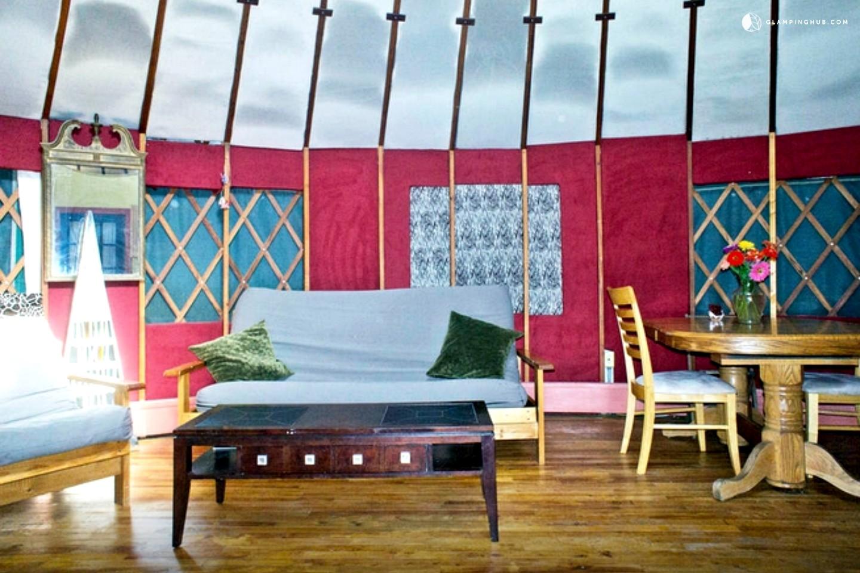 Solar Powered Luxury Yurt On Hudson Valley Horse Farm With