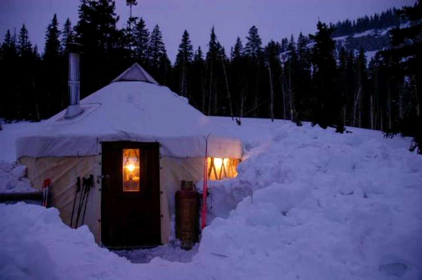 Yurts (Taos, New Mexico, United States)