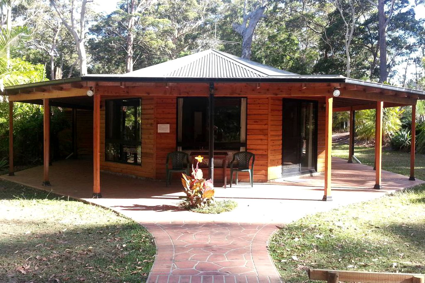 Cabins (Arakoon, New South Wales, Australia)
