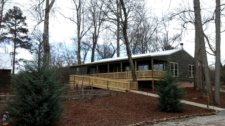 Spacious Luxury Cabin Rental For A Golf Retreat Near Chattanooga Tennessee