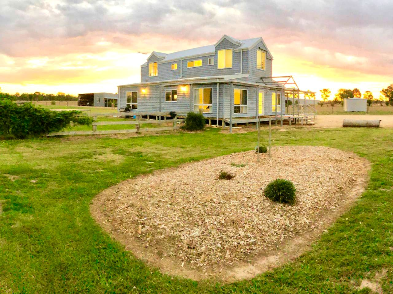 The Oxley accommodation can sleep a whole family looking to enjoy a farm stay. Victoria is a great place to explore.