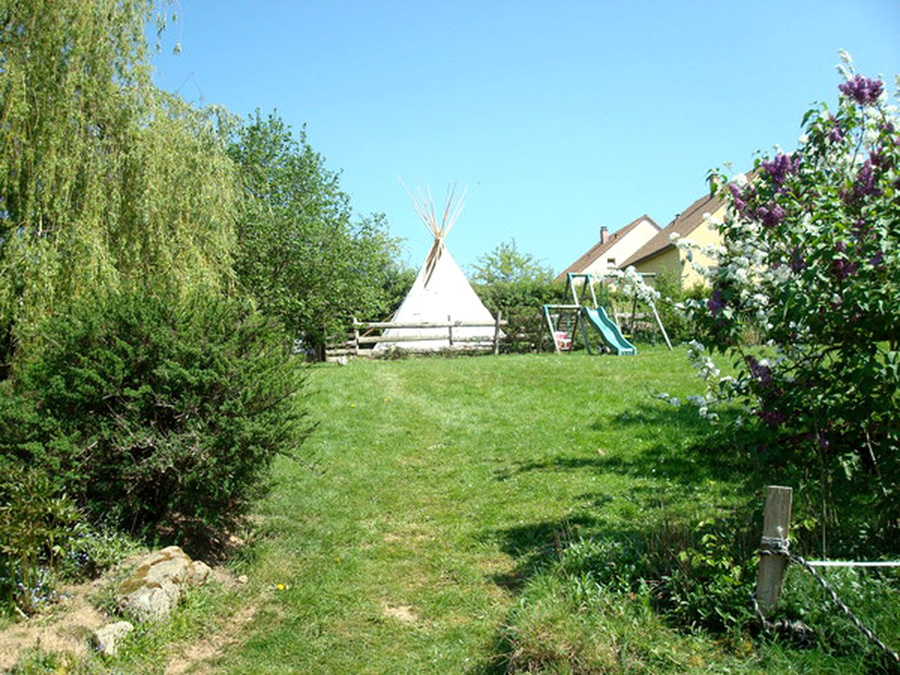 Tipis (La Crique, Normandy, France)