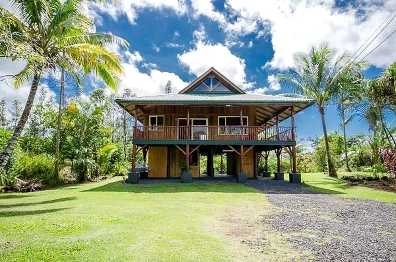 Beach Cabin Al Near Hilo Hawaii