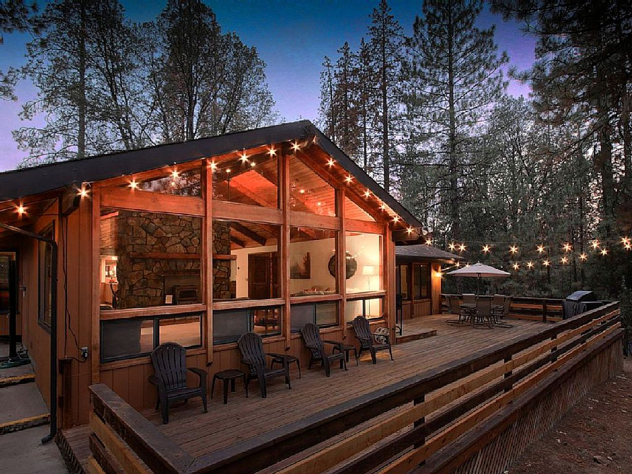 Log Cabins (Mariposa, California, United States)