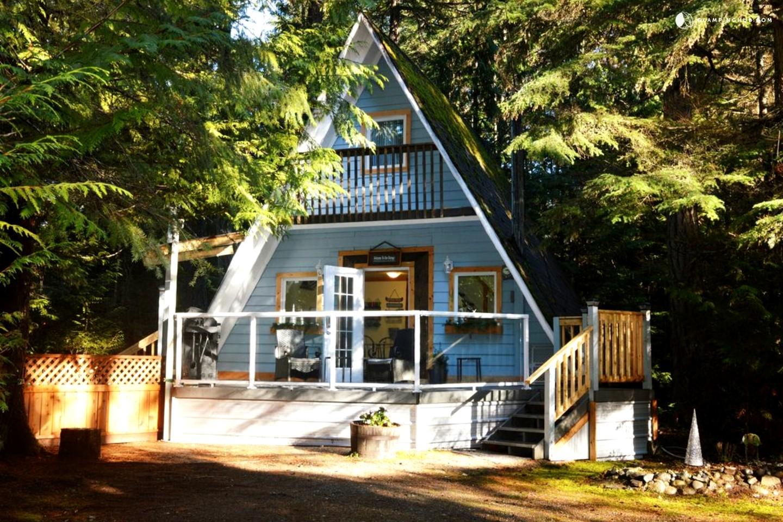 Unique Cabin Rental In Qualicum Beach British Columbia