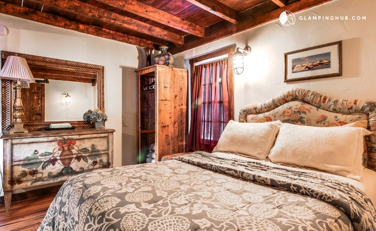 Pet friendly cabin in crested butte for Pet friendly colorado cabins