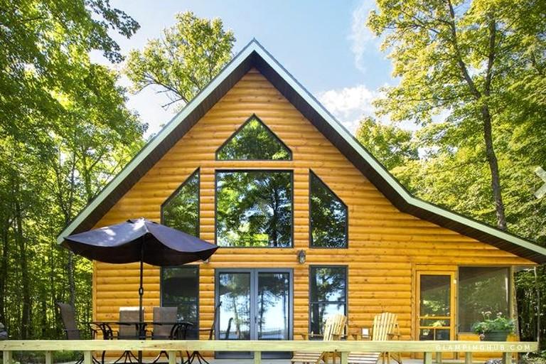 Classic American Getaway In A Lakeside Cabin Near Detroit Lakes Minnesota