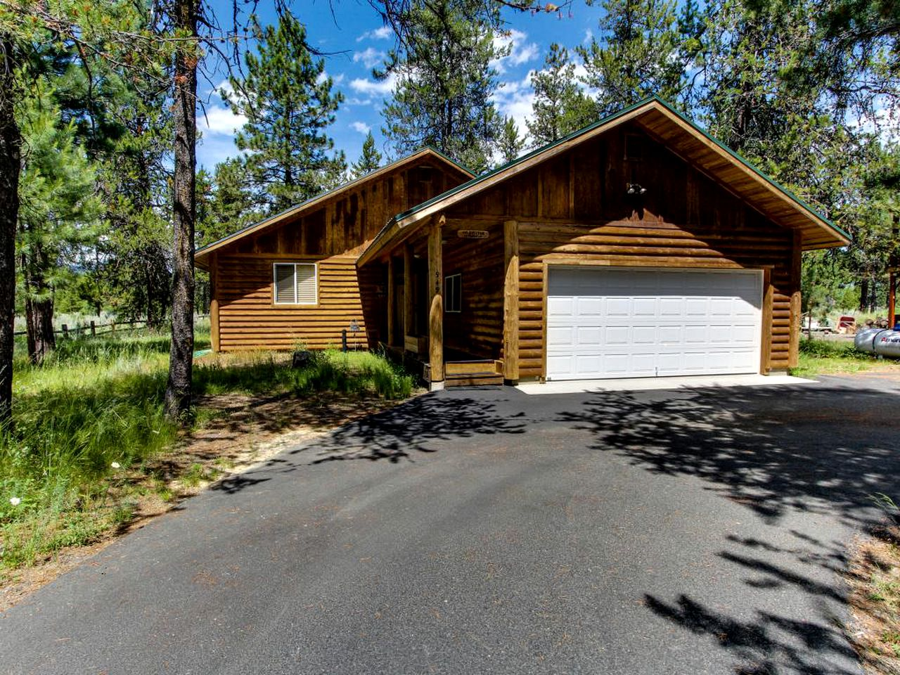 Cabins (McCall, Idaho, United States)