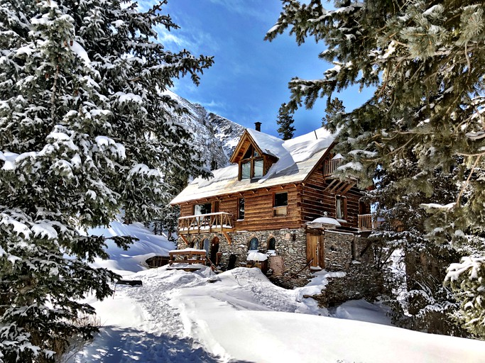 Stunning Pet Friendly Cabin Rental Secluded In Woodland Near Telluride Colorado