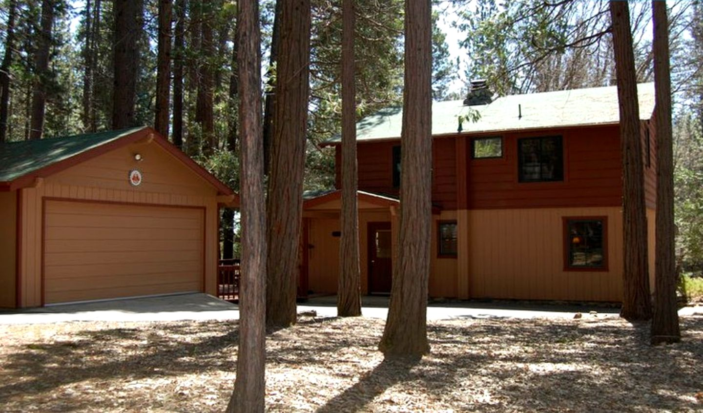 Wawona cabin rentals in Yosemite National Park