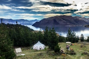 Photo of Stylish and Spacious Tent with Beautiful Lake Views near Queenstown, New Zealand