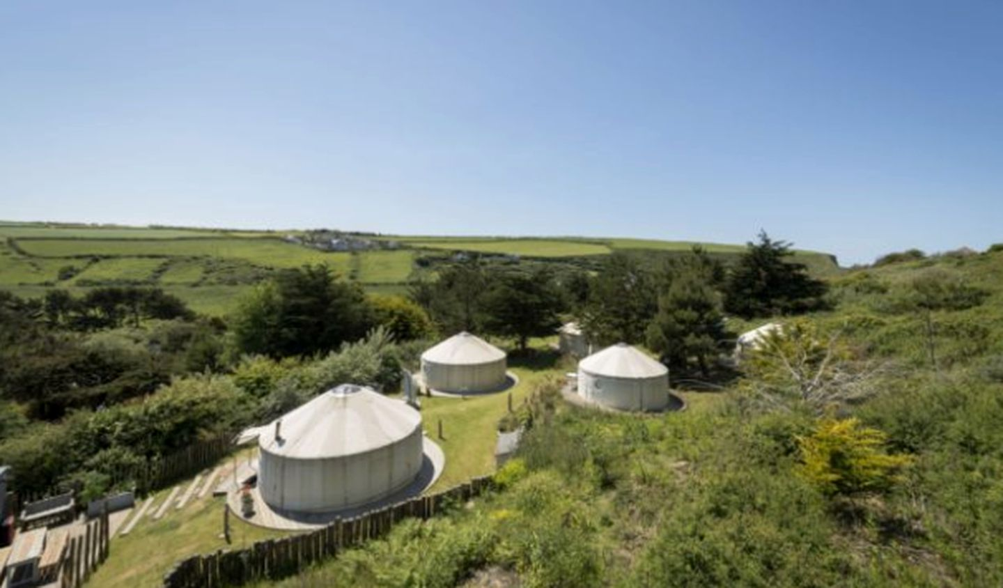 Yurts (Mawgan Porth, England, United Kingdom)