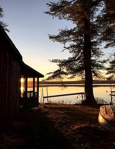 Tremendous Waterfront Cabin Rental Perfect For A Friends Vacation On Damariscotta Lake Maine Home Remodeling Inspirations Basidirectenergyitoicom