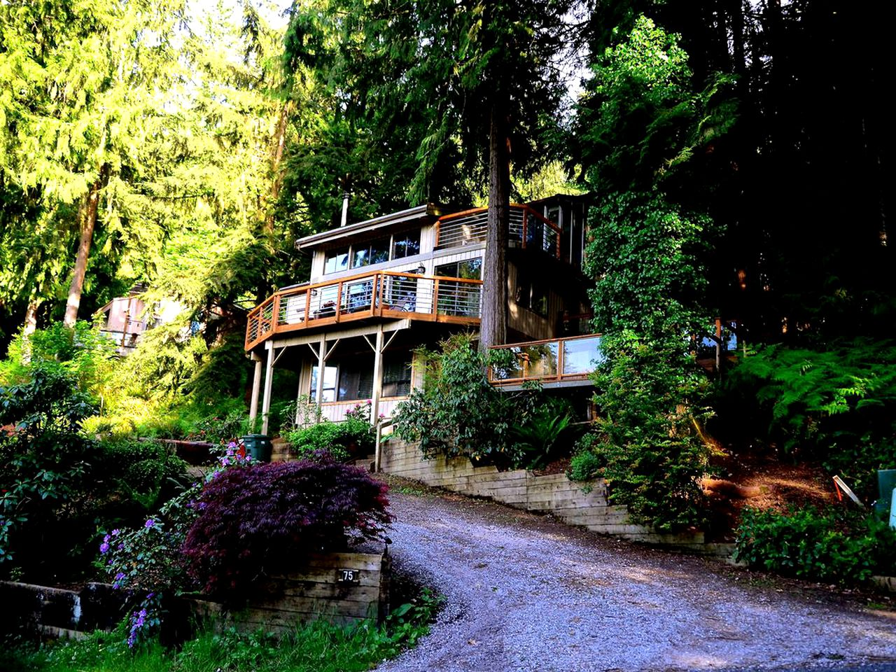 Cabins (Bellingham, Washington, United States)