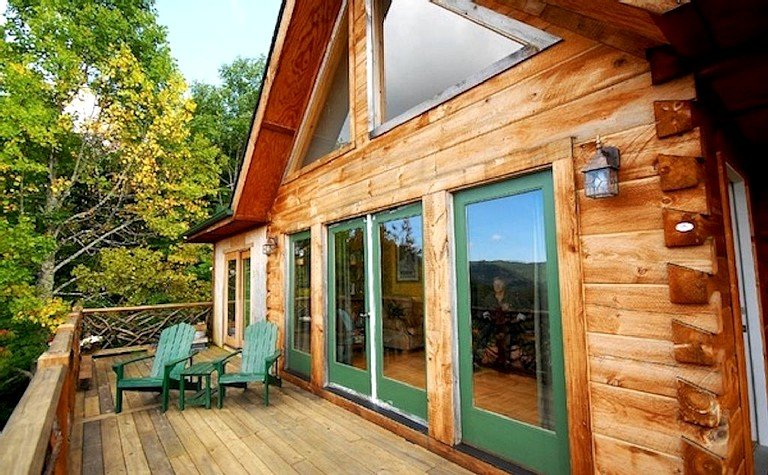 Spacious Log Cabin Rental For Ten With Breathtaking Views Near Asheville