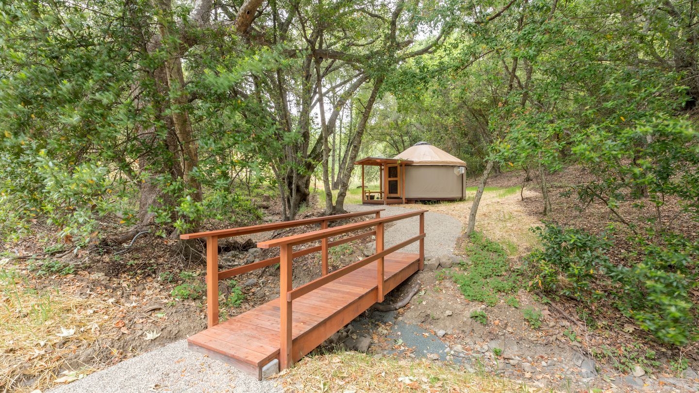 Yurts (Cayucos, California, United States)