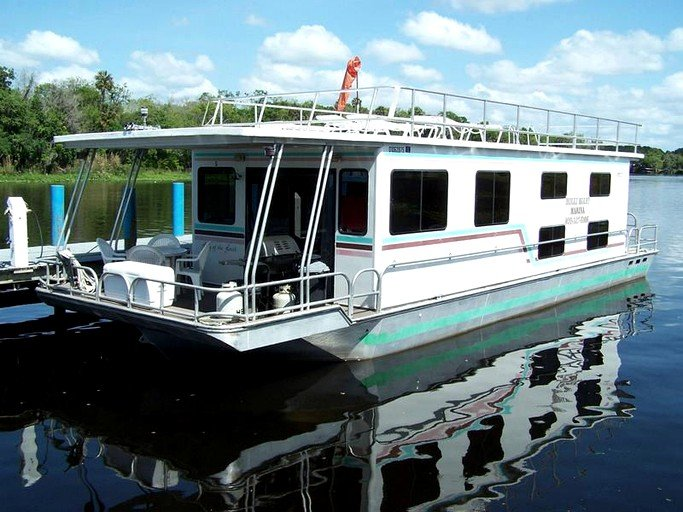 Ten-Person Houseboat Rental on St  Johns River near Ocala National Forest,  Florida