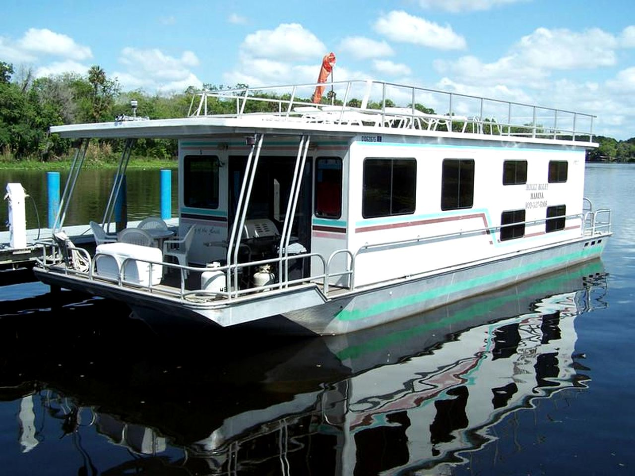 Ten-Person Houseboat Rental on St. Johns River near Ocala National Forest,  Florida