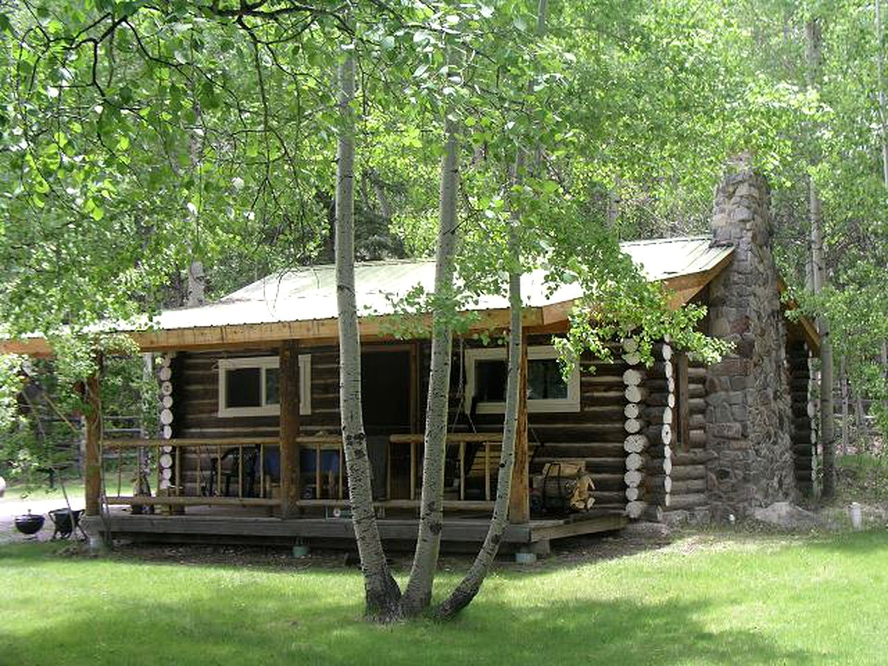 Log Cabin Al Near Blue Mesa