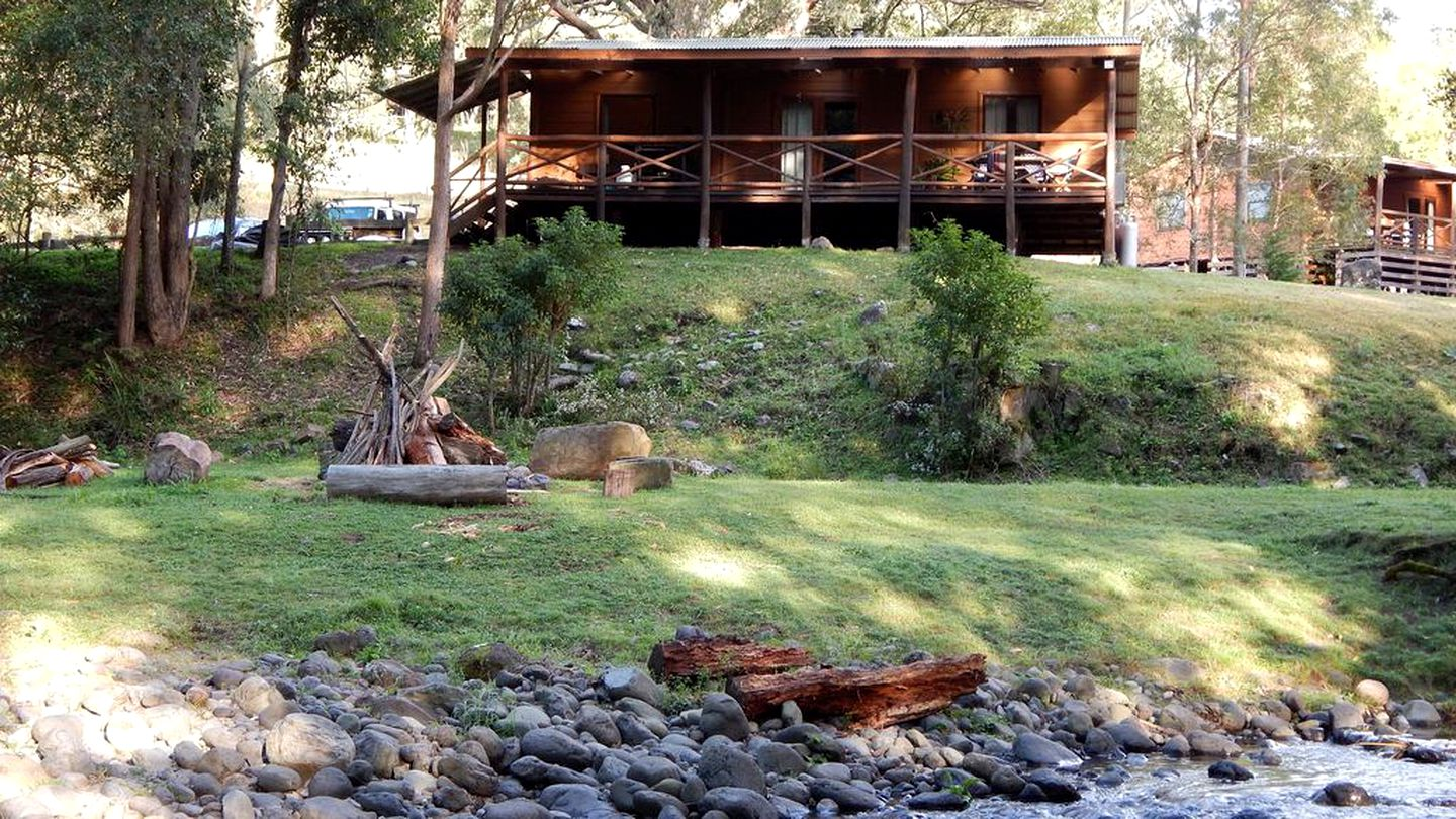 Cabins (Gloucester, New South Wales, Australia)