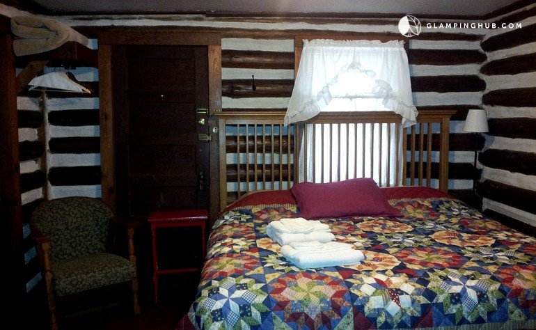Pet friendly log cabin rental in asheville north carolina for Asheville cabin rentals pet friendly