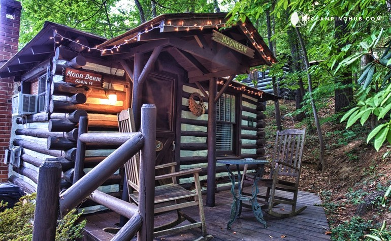 Cabin rental with front porch in blue ridge mountains for Asheville log cabin rentals