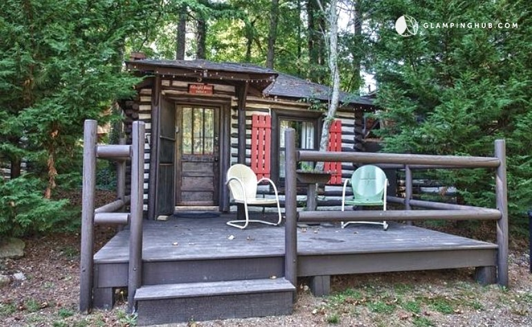 Log cabin rental near woodfin north carolina for Rustic cabins near asheville nc