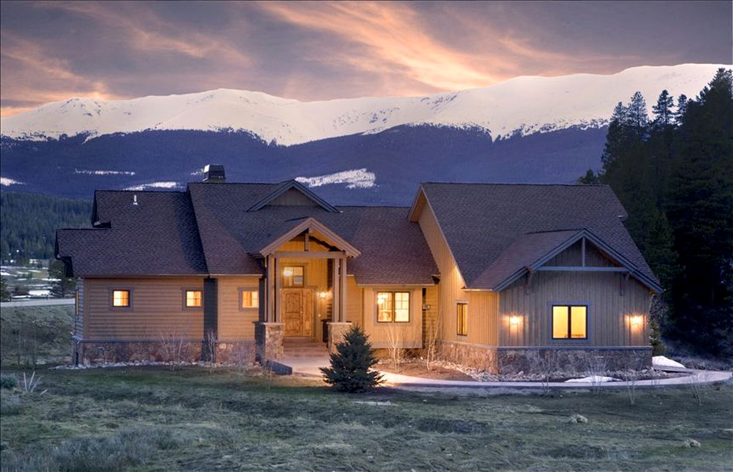 Nature Lodges (Breckenridge, Colorado, United States)