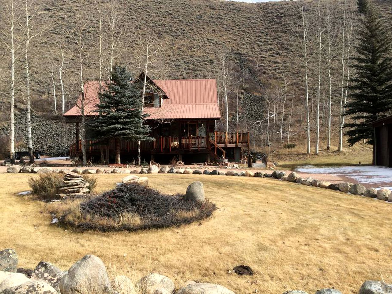 Cabins (Ohio City, Colorado, United States)