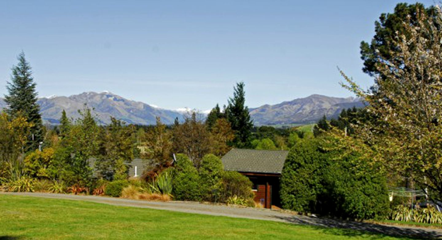 Cabins (Hanmer Springs, South Island, New Zealand)